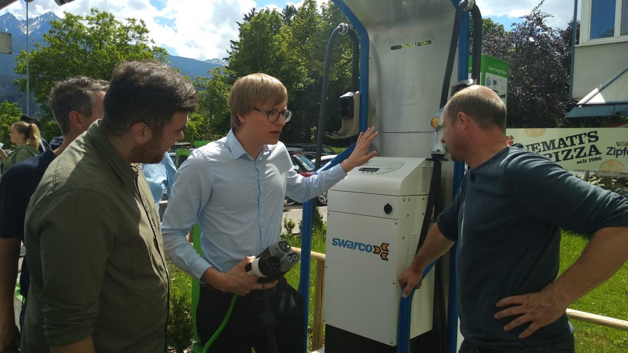 Schnell-Ladestation von SWARCO im E-Ladefeld des Green Energy Center Europe
