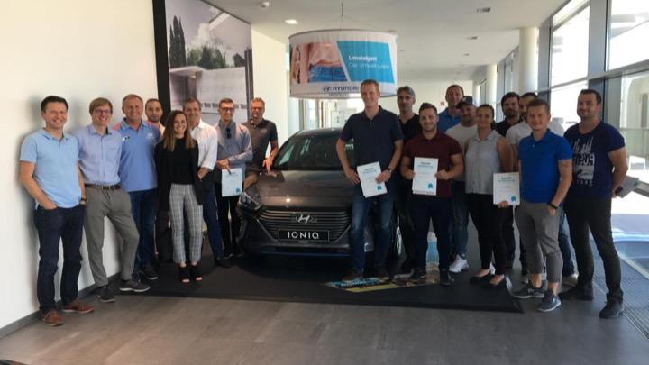 Weitere Hyundai IONIQ auf Elektromobilität ausgebildet und zertifiziert