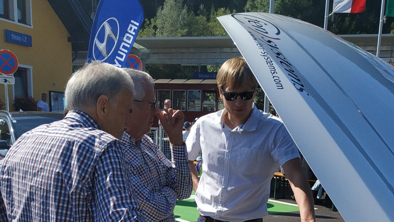 FEN Systems Wasserstoffauto bei der Eröffnung der Bahnhofserneuerung in Strass im Zillertal